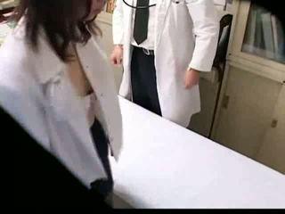 muie, hiddencam, atingere cu degetul, doctor