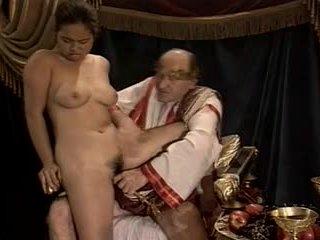 Asiatico giovane ragazza provino fatto da maggiore & grasso nonno