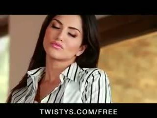 Sunny Leone - Beautiful brunette Sunny Leon shows off her big-tits