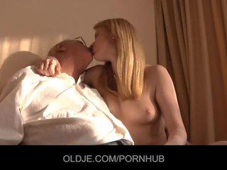 Old religious man sins s fukanje girly