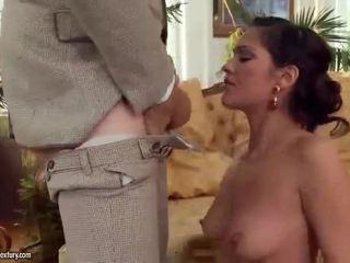 Samia duarte gets 彼女の 尻 掘削