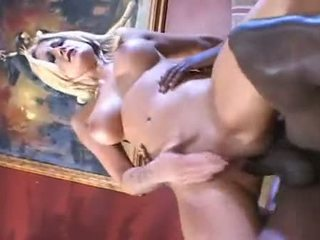 Blond bejba stacy thorn zajebal v the rit s črno pipe