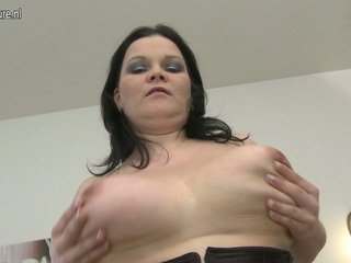Stunning Looking MILF Demonstrates Off Sexy Boobs And Loves Her Sex Toy