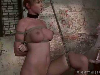 情妇 painfully punishing 她的 slavegirl
