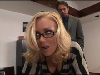 Nicole aniston birojs