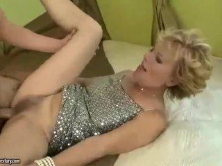 Uly emjekli garry mama gets fucked