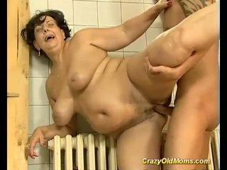 Morena mamalhuda velho mãe fodido