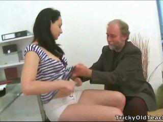 Trío sexo con profesora