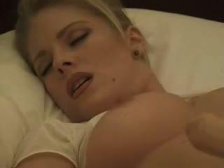 Jennifer avalon (tracy smith) трахання сама з a фалоімітатор