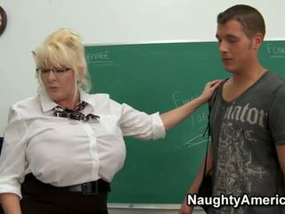 Kayla kleevage - bbw učitelj analno zajebal