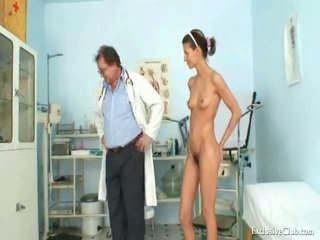 Angela gyno muff provim të gjithë mbi pasqyrë kirurgjie nga moshë e pjekur jashtë norme doktori