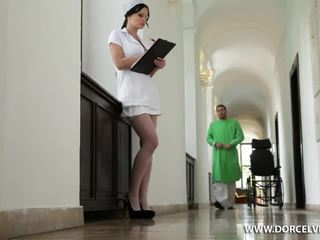 Sairaanhoitaja abbie