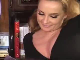 Mama pieprzenie z jej córka i boyfriend wideo