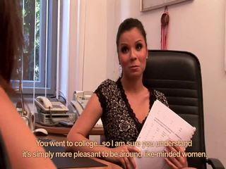 Nella dan hannah pemburu kantor lesbian