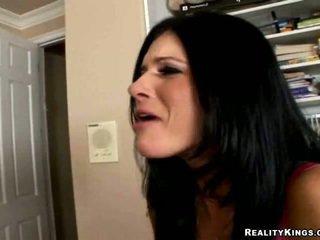 Noķerti Masturbējot porno