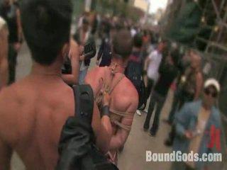 مقيد gods حي: جمهور sadomasochism في ال streets من sf