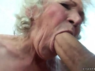 Mamalhuda vovó gets dela peluda cona fodido