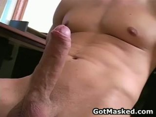 Hunky homosexual guy stripping ו - מאונן שלו 10 pounder 26 על ידי gotmasked