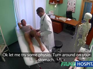 Fakehospital špinavý máma jsem rád šoustat pohlaví addict gets fucked podle the lékař zatímco ji manžel waits