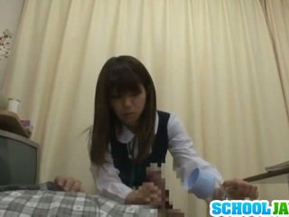 Sekswal youthful sa loob school uniporme bonking shaft