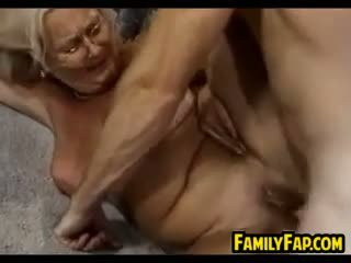 babička, výstřik, old + young
