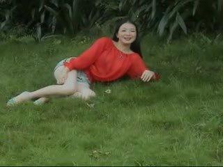 Söpö kiinalainen alasti päällä nokan video-
