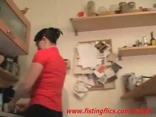 Ερασιτεχνικό σύζυγος πρωκτικό fisted σε ο κουζίνα