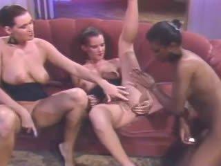 有趣 女同志 更多, 辣妹, 最好的 三人行