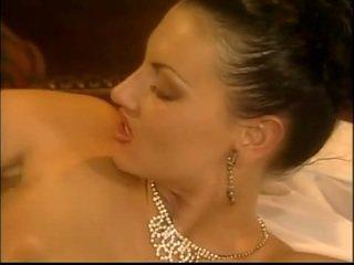 Belle laura 天使 likes 到 他妈的 在 该 屁股