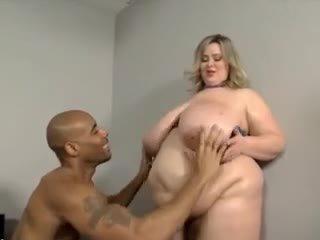 Besar dada besar perut ssbbw kacau