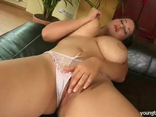 Her Yellow Sextoy Hard In Pussy