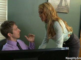 Sensuous Big Titted Secretary Capri Cavanni Screws Chief
