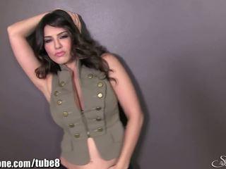 Sunnyleone sunny leone в тя армия outfit! нов solo!
