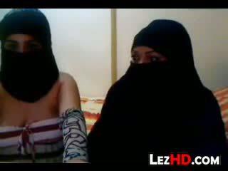 Amatir arab lesbians