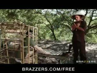 হতচেতন এশিয়ান ইউরোপীয় মেয়ে london keyes teases তার prisoner