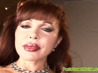 Rossa milf gets un rozzo anale pounding