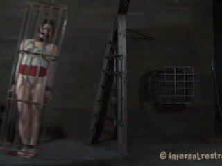 Abgekettet mieze desires sleaze folter