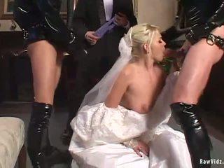 Các cô dâu double blowjob
