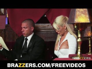 Alexis ford gets banged în the club