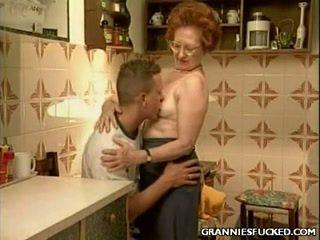 Younger dude fucks a mature grandmas