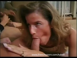 French housewife in first dp