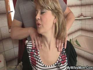 Seine ehefrau comes aus und er intercourses sie mutter