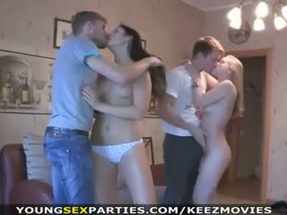 Giovane sesso parties - adolescenza cazzo in pairs e di più