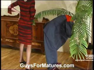 Flora و timothy leggy موم onto فيديو نشاط