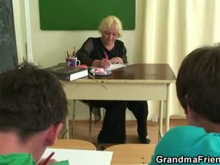 Two studs ебать старий школа вчитель