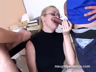Adrianna nicole blows 2 ťažký meat weenies alternately
