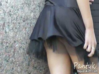Thong panty phòng trưng bày