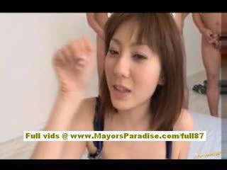 Yuma asami azjatyckie laska gives an niesamowite robienie loda