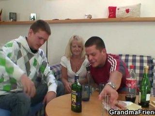 beat, bunică, cei patru