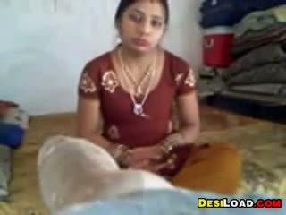 Indian nevasta de casa gets inpulit